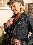Elaine X