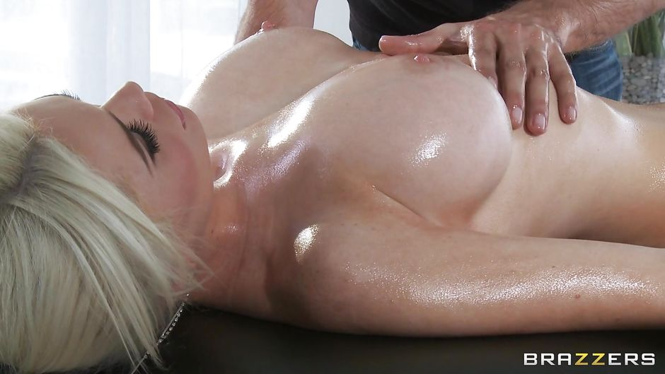 Massage babe sucking masseur during group sex