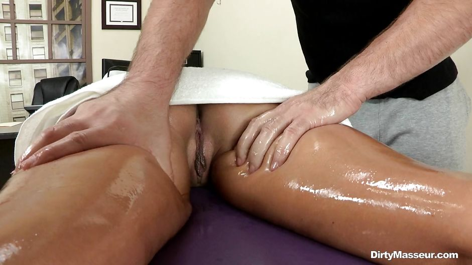hot brunette massage struer