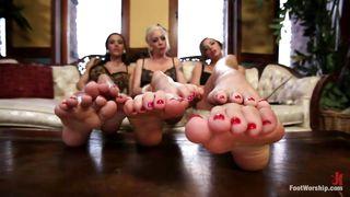 feet slave has 3 goddesses to worship