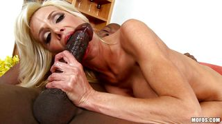 slutty milf loves to feel huge black meat stick inside