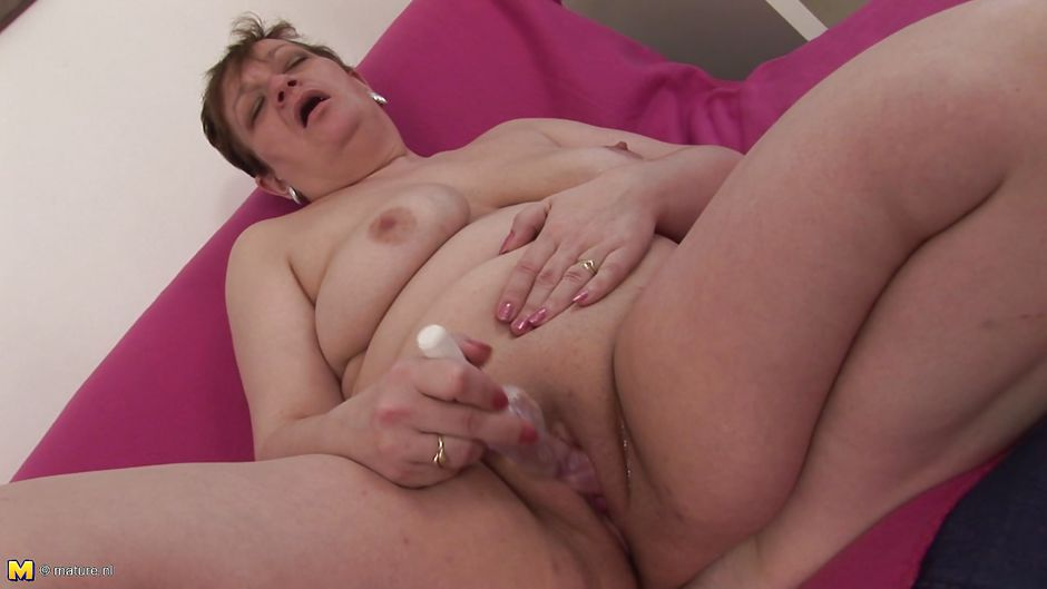 Mature masturbation porn links