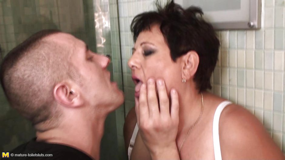 Mature gets fucked by boy toilet