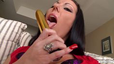 voluptuous milf licks her gift and masturbates with it
