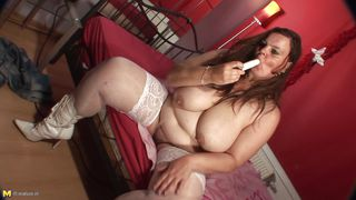 sexy mom making love with her self