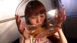 av idol drinks tons of piss