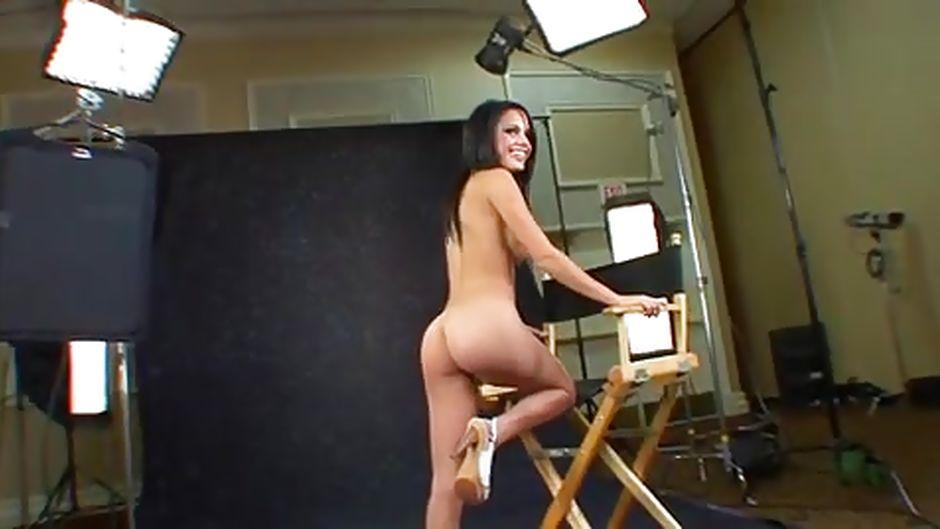Girl auditions naked on video