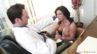 horny patient is repaying her doctor