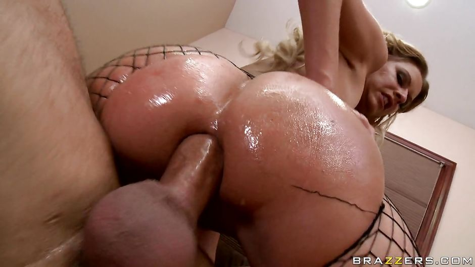 Oiled Babe Rough Assfucks On Gotporn Fuckamouth 1