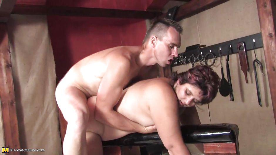 жена связала мужа порно ролик