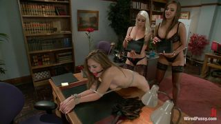 beautiful mistresses wired her ass