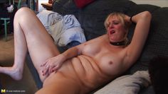 usa mature blonde masturbating solo