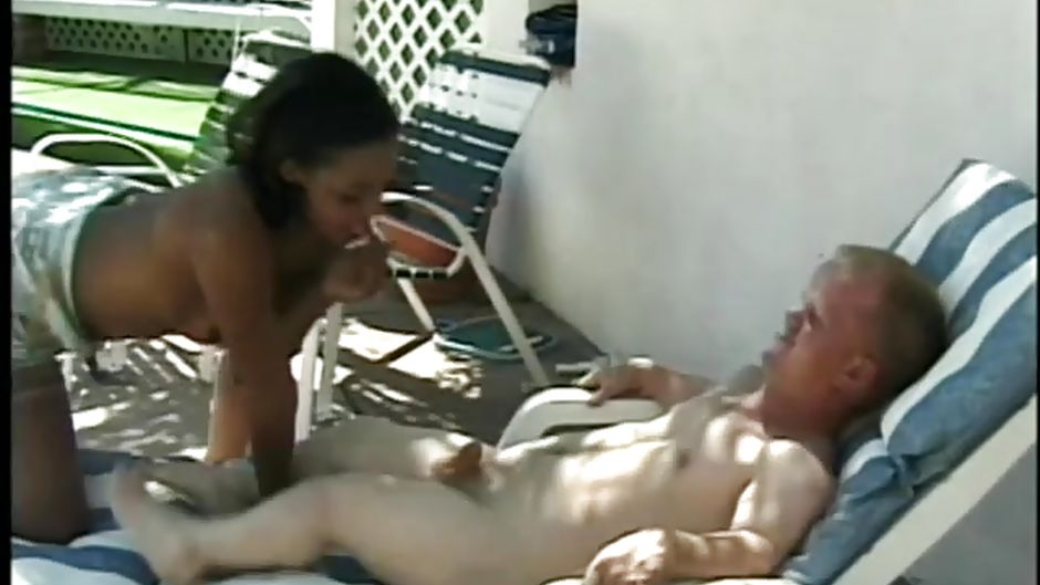 Mom teaches daughter to strip