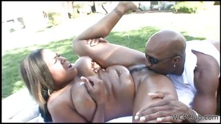 voluptuous black bitch needs fucking