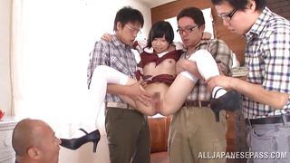 naive schoolgirl fascinates a group of men