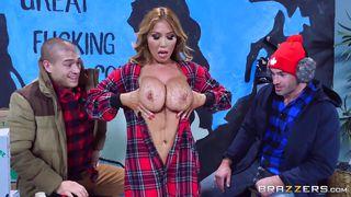 lusty kianna shows her huge boobs