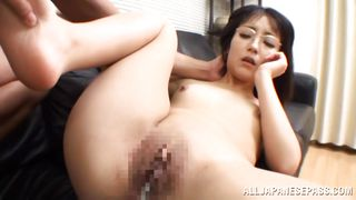 asian girl gets her cunt filled up