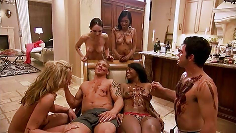 Порно шоу от плейбоя вчетвером