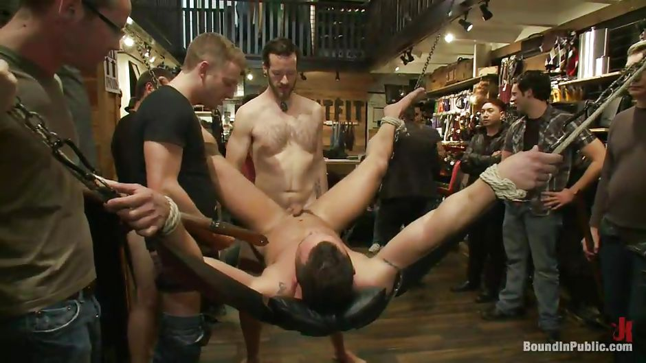 Hot Public Anal For Horny Hunks