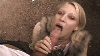 young vanessa is horny in the park