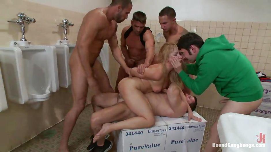 онлайн бесплатно порно мужской туалет