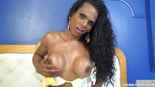 curly haired transsexual molinari masturbating