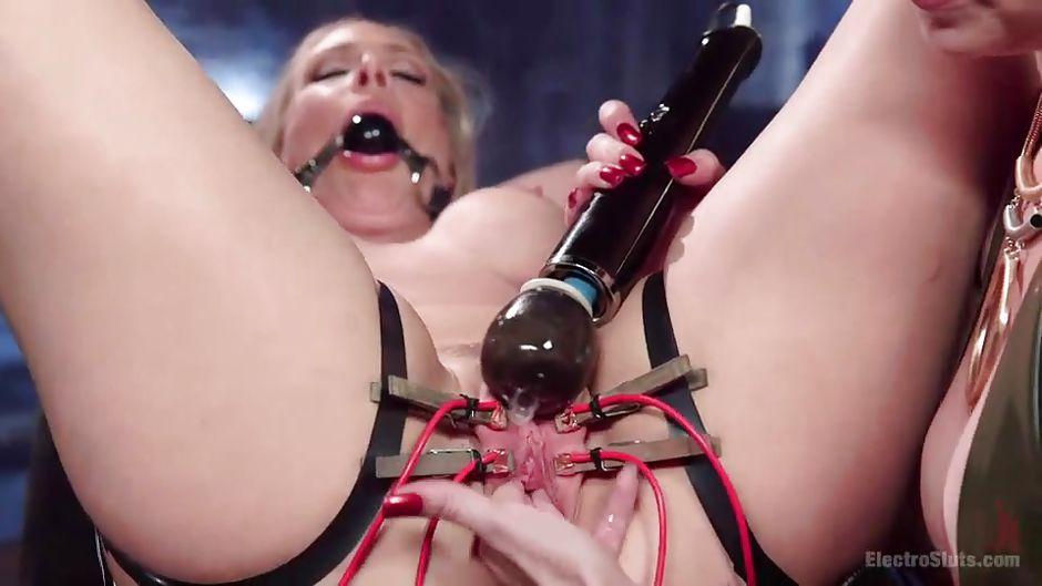 Порно фото блондинку в рот