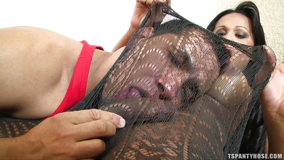 Shemales sucking cock in pantyhose
