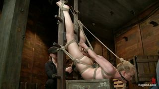 tracey sweet gets fisted by her dominante master