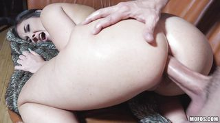 brunette wants assfucking real bad