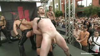 hot boys perfoms a hot show