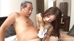 she gives a great cock washing