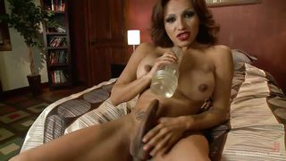hot tranny uses her fleshlight to get off