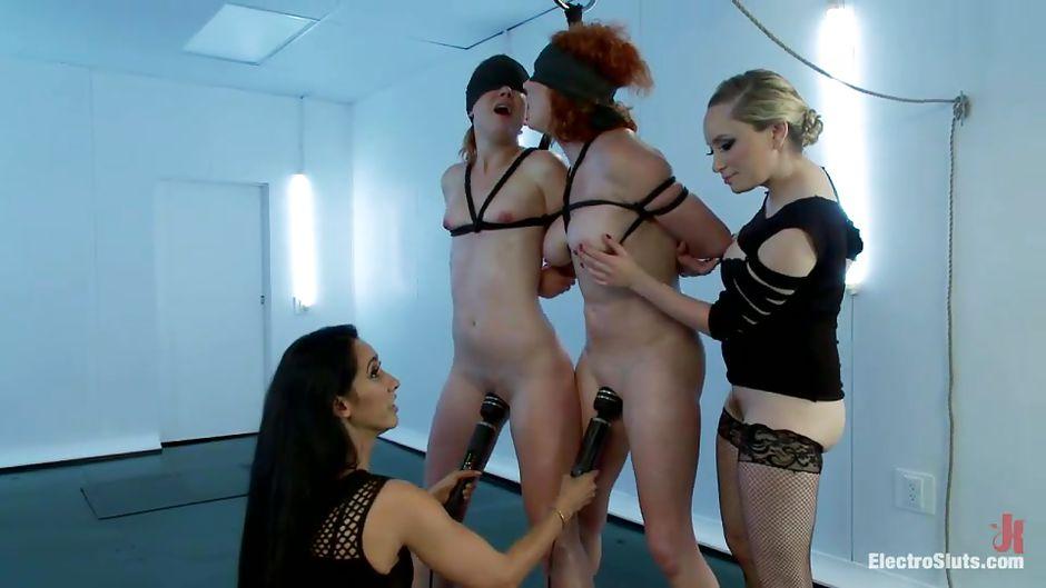 group lesbian bondage