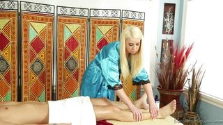 blondie gives a great massage