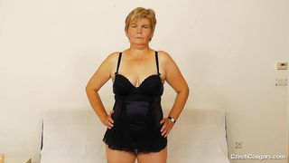 czech mature shows her treasures