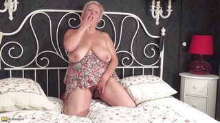 fat mature puts on a show for you