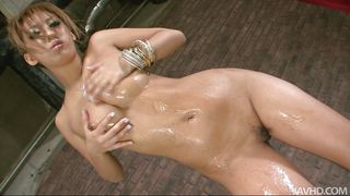 horny&oiled asian babe