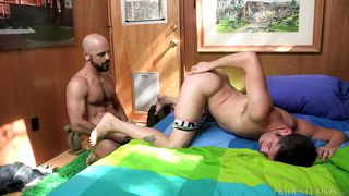 bald hunk fucks cute stud with nice ass