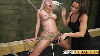 kylie gets entertained by her hot slave