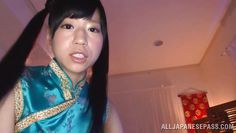 18 year old cutie gives a relaxing massage