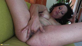 lonely mature woman masturbates at home!