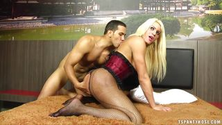 blonde tranny in fishnets gets her ass banged