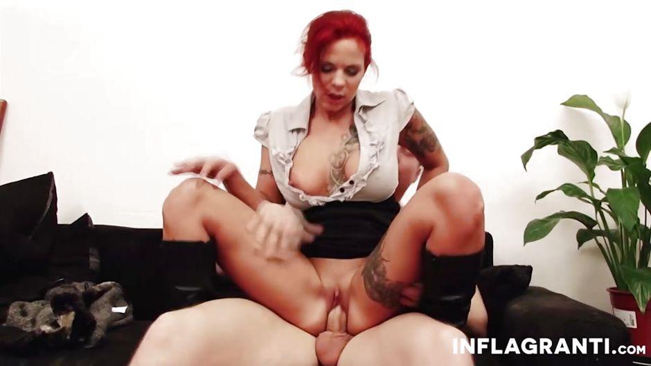 Latina gives great blowjob
