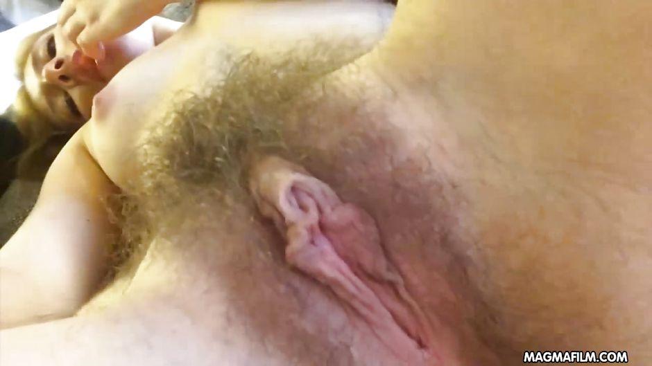 smotret-video-masturbiruyut-i-konchayut-onlayn