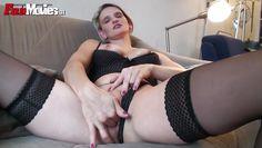 hot amateur milf masturbating