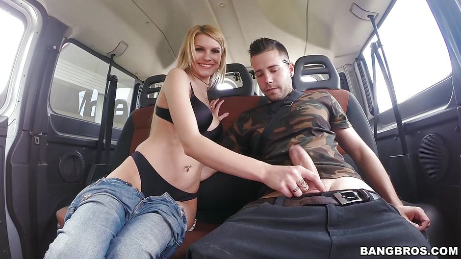 Girl Bang bus blowjob remembered