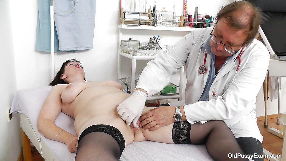 Brigitte bardot masturbates