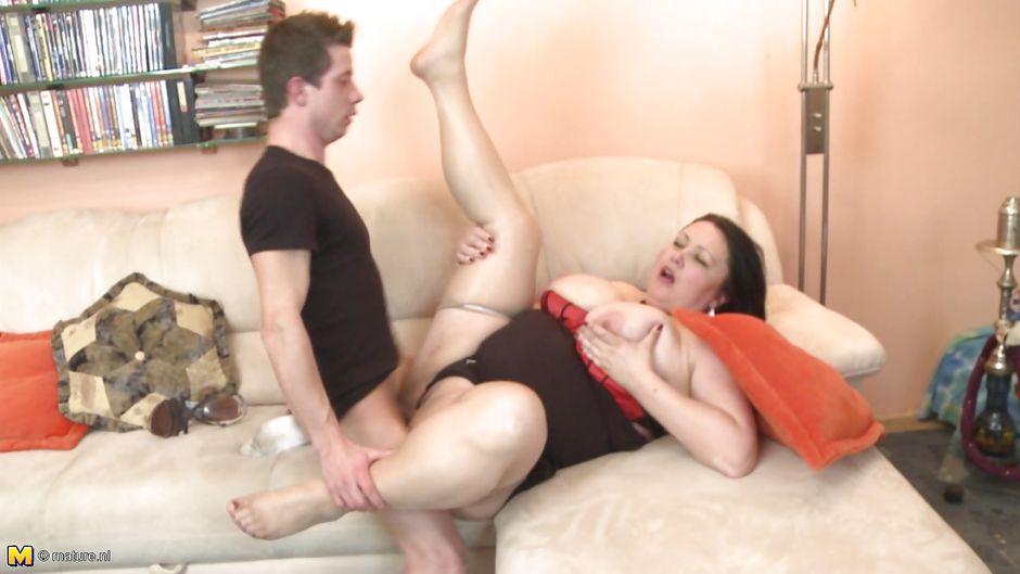 порно стонами мамки