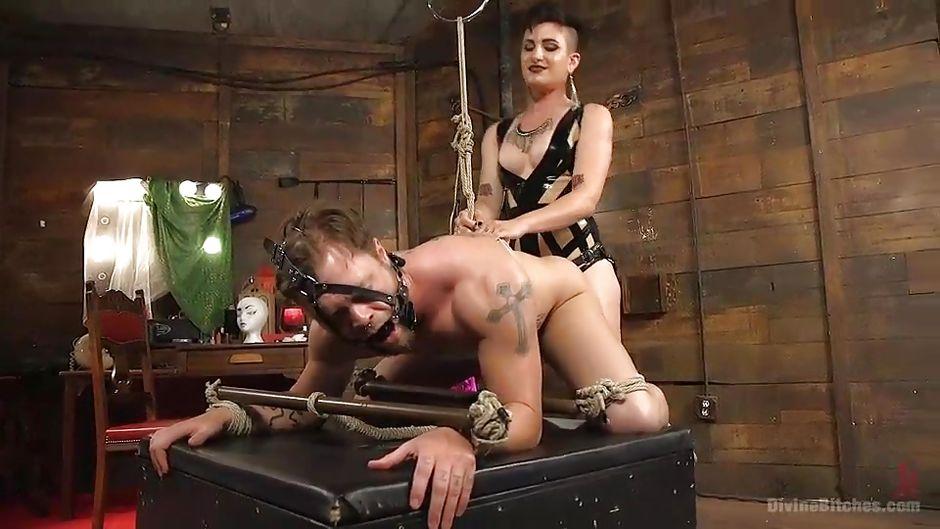 рабыня в домашнем видео